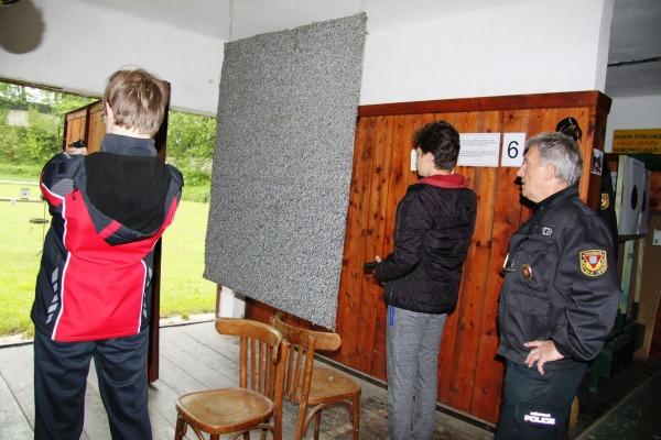 Střelecká disciplína žáků - střelba z plynové pistole