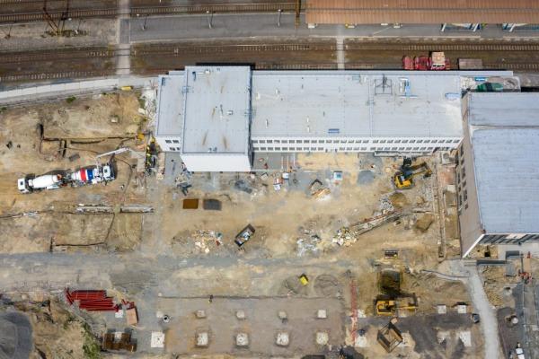 Stavba přednádražního prostoru v Havířově pokračuje