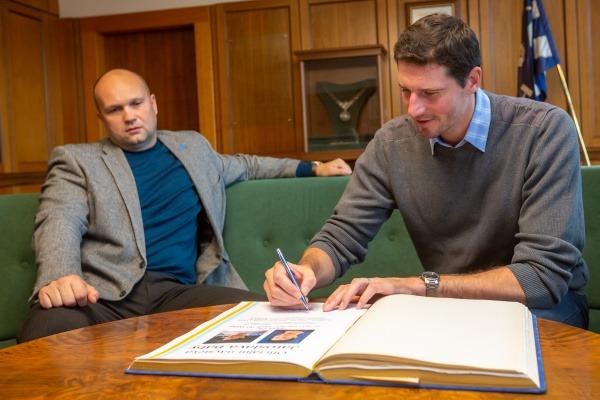 Setkání vedení města Havířova se sportovcem Jaroslavem Bábou