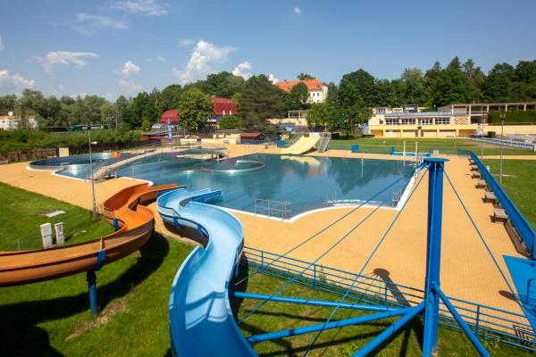 Letní koupaliště Jindřich v Havířově odstartovalo sezonu s novým plaveckým bazénem