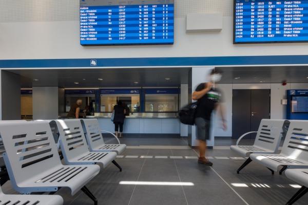 Cestujícím v Havířově se na vlakovém nádraží otevřela nová odbavovací hala