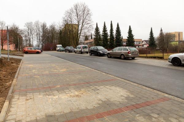 Otevření nově upraveného parkoviště na ulici Balzacova
