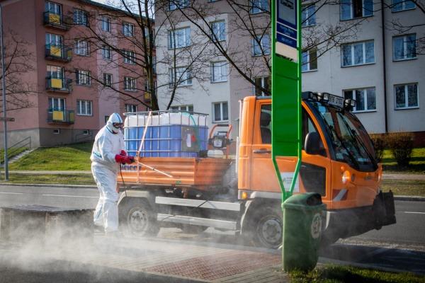Havířov chce snížit riziko šíření koronaviru ve městě, technické služby města začaly s čištěním rizikových míst