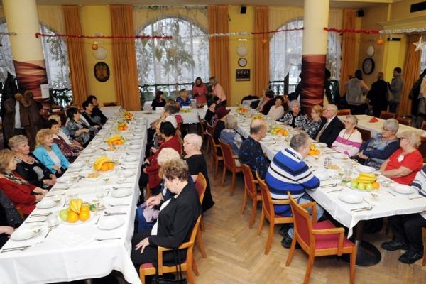Večeře pro osamělé seniory 2017
